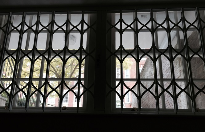 RSG1200 LPS1175 window grilles fitted to an exclusive residence near Earl's Court, South Kensington.