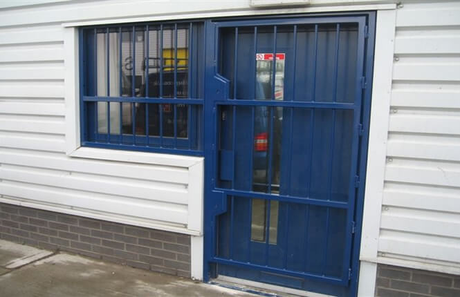 RSG3000 security door gate on commercial shop in South London.