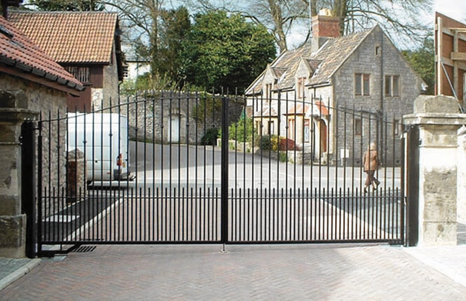 RSG3200 driveway gate on a residential complex in Islington.