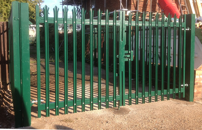RSG3600 palisade powder coated gate on a residential site in West London.