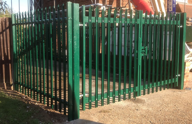RSG3600 palisade gates and fencing on new build property in Islington.