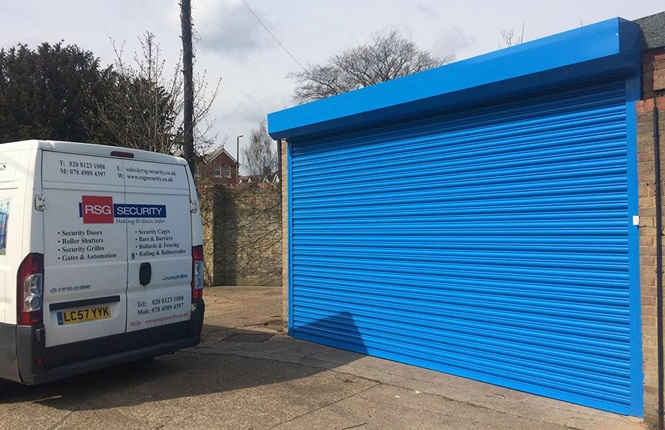 RSG5000 powder coated commercial roller shutter securing workshop in Twickenham.