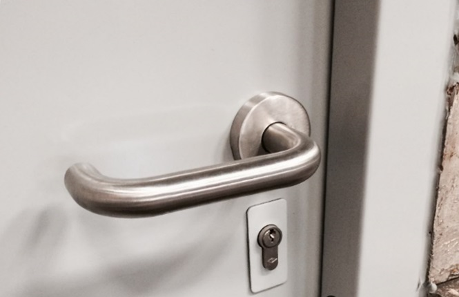 A close up to show the quality of our sashlock and lever handle on our RSG8000 security door.